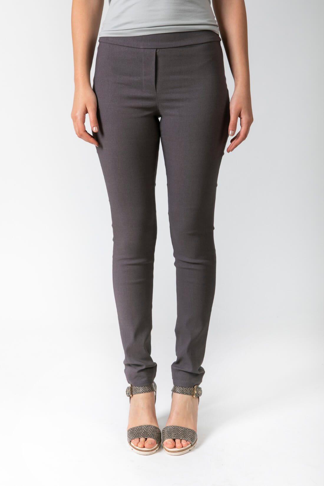 מכנסיים אפורים בגיזרת סקיני דגם להשוויץ אפור