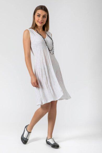 שמלה עם מחשוף V