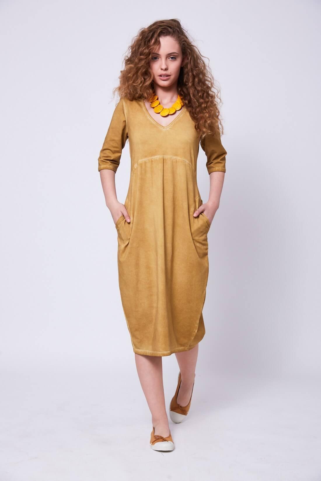 שמלה עם שרוולים בגיזרת בלון דגם בלומה-חרדל